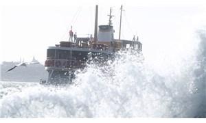 İBB, fırtınanın İstanbul'da yarattığı bilançoyu açıkladı: 108 çatı uçtu, 128 ağaç devrildi