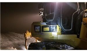 Aydın'da karda mahsur kalan 2 teknisyen kurtarıldı