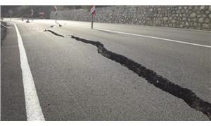 Antalya'da heyelan nedeniyle yol çöktü