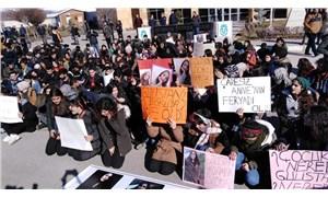 Öğrencilerden Gülistan için oturma eylemi