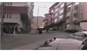 Sokak ortasında kadını sopayla dövdü, kimse müdahale etmedi