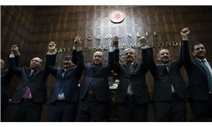 CHP'den AKP'ye belediye transferi tepkisi: 'Seçimle alamadıklarını tehditle almaya çalışıyorlar'