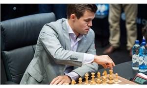 Magnus Carlsen satranç tarihine geçti