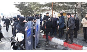 """""""Sağlıkta Şiddet"""" protestosuna 'polis şiddeti'"""