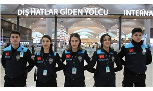 Pasaport polislerinin üniformalarındaki 'Turkey' yazısı tepkiler üzerine değiştirildi