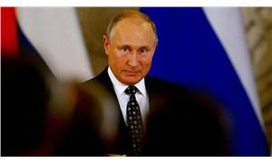 Duma, Putin'in anayasada düzenlemeye yönelik tasarısını ilk oturumda kabul etti