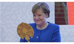 Merkel'den hediye sevinci