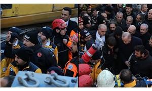 AFAD daire başkanı talimat verdi, enkazdan çıkarılan yaralı Erdoğan'ın yanına getirildi