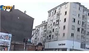 Elazığ'da çökme riskiyle boşaltılan 5 katlı binanın yıkımına başlandı