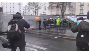 Fransa'da itfaiye erleri ve polis arasında çatışma