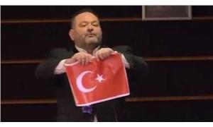 AP Genel Kurulun'da Türkiye bayrağını yırtan Lagos'a yaptırım