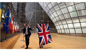 İngiliz bayrakları, Brüksel'deki Avrupa Birliği kurumlarından indirildi