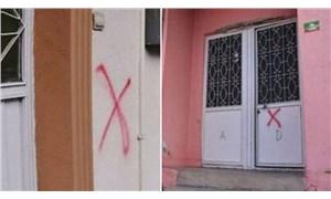Pendik'te bazı kapılara kırmızı çarpı koyan kişi belli oldu
