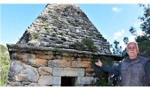 Yıllarca adak adanan türbe, Yunan savaşçının anıt mezarı çıktı