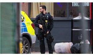 Londra'da bıçaklı saldırı: Yaralılar var