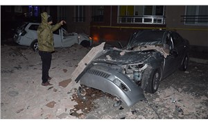 Kayseri'de şiddetli rüzgar: Çatılar uçtu, ağaçlar devrildi