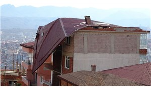 Ordu'da fırtına çatıları uçurdu: 12 ilçede okullar tatil edildi