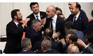 Meclis'te 'Az yiyin beyler' şiiri okudu, ortalık karıştı: Milletvekilleri birbirine girdi