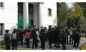 YTÜ'lü öğrencilerden Bedri Gencer'in üniversite ile ilişiğinin kesilmesi için dilekçe