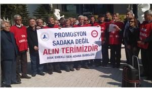 Emekliler Adana'da sokağa çıktı: 13 milyon emekli aldıkları maaşla geçinemiyor
