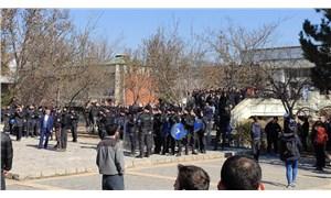TGB'lilere tepki gösteren öğrencilere biber gazlı müdahale