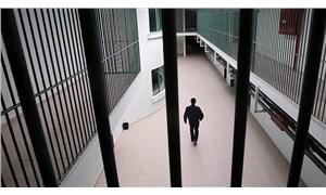 Mahkumlara uyuşturucu temin eden gardiyan tutuklandı