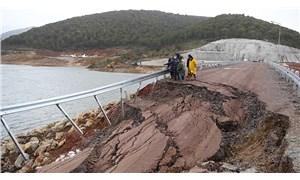Uşak'ta sızıntı yaşanan göletteki su tahliyesi sürüyor