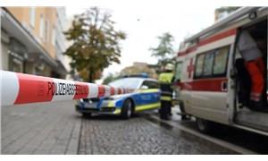 Almanya'da bir araç karnavala daldı: Çok sayıda yaralı var