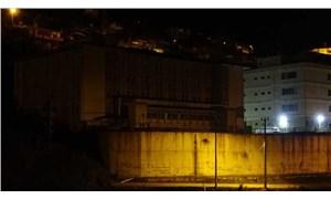 Mersin'de istinat duvarı yurt binasına devrildi