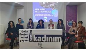Kamudaki kadınlara ayrımcılık diz boyu