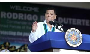 Duterte: Sokağa çıkma yasağına uymayanı vurun