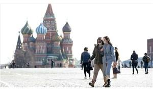 Rusya'da 3 papazda koronavirüs çıktı, kiliseye gidenler uyarıldı