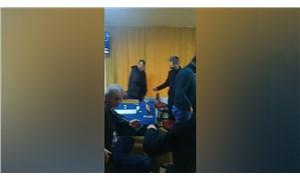 Sakarya'da kıraathanede oyun oynayan 12 kişiye 'sosyal mesafe' cezası