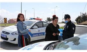 Otostop çekerken polise yakalanan 20 yaş altı genç: 'İsterseniz ceza yazın, dedem sağlam'
