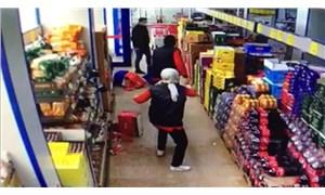 Maske takmadığı için uyarılan adam marketi birbirine kattı