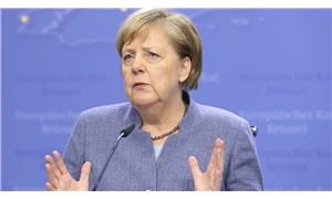 Merkel: Salgınla mücadelede tetikte olmaya devam etmeliyiz