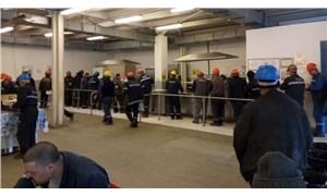 Tuzla'da işçiler mesai zorlamasına tepkili: Virüs tersaneye gelmiyor mu?