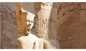 Mısır'da 1600 yıllık tabut bulundu