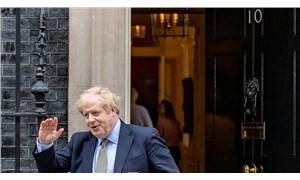 Boris Johnson 22 gün sonra işbaşı yaptı