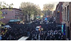 'Sosyal mesafesiz' cenaze töreni New York'u karıştırdı