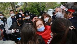 DİSK'liler gözaltına alındı, vekiller 1 Mayıs çelengini Taksim'e bıraktı