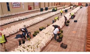 İzmir'de 85 bin gıda kolisi dağıtıldı