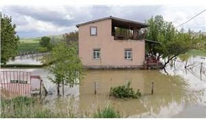 Aksaray'da sulama kanalı patladı, tarla ve evler su altında kaldı