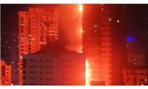 BAE'de 190 metre yükseliğindeki gökdelende büyük yangın