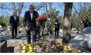 Kılıçdaroğlu, 'Üç Fidan'ın mezarlarını ziyaret etti