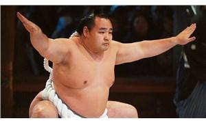 Japon sumo güreşçisi, Covid-19 nedeniyle ölen ilk sporcu oldu