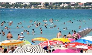 Koronavirüs: Denize ve havuza girmek güvenli mi, virüs yüzmeyle bulaşır mı?