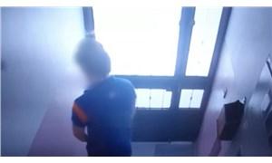 Apartman sakinleri binaya tuvaletini yapan kargocudan şikayetçi oldu