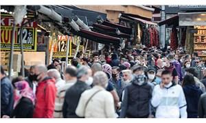 Eminönü'nde bayram alışverişi yoğunluğu: Sosyal mesafe kuralları yine hiçe sayıldı