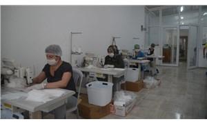 Kuşadası'nda maskeler 'Emek Atölyeleri'nde üretiliyor